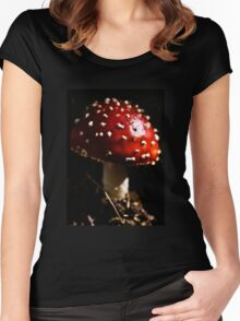 Baby red toadstool Women's Fitted Scoop T-Shirt