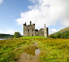Kilchurn Castle 2 by Chris Thaxter