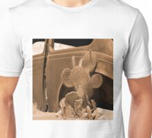 Route 66 - Rusty old Cars and Cactus Unisex T-Shirt