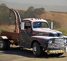Aging Ford Tow Truck by DaveKoontz