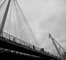 Golden Jubilee Bridge 06 by Iain McGillivray