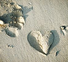 Sand Heart by Ming  Nomchong