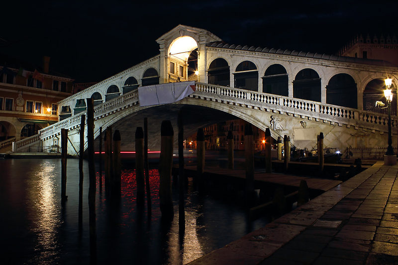 The Rialto Bridge in Venice by Night by kirilart