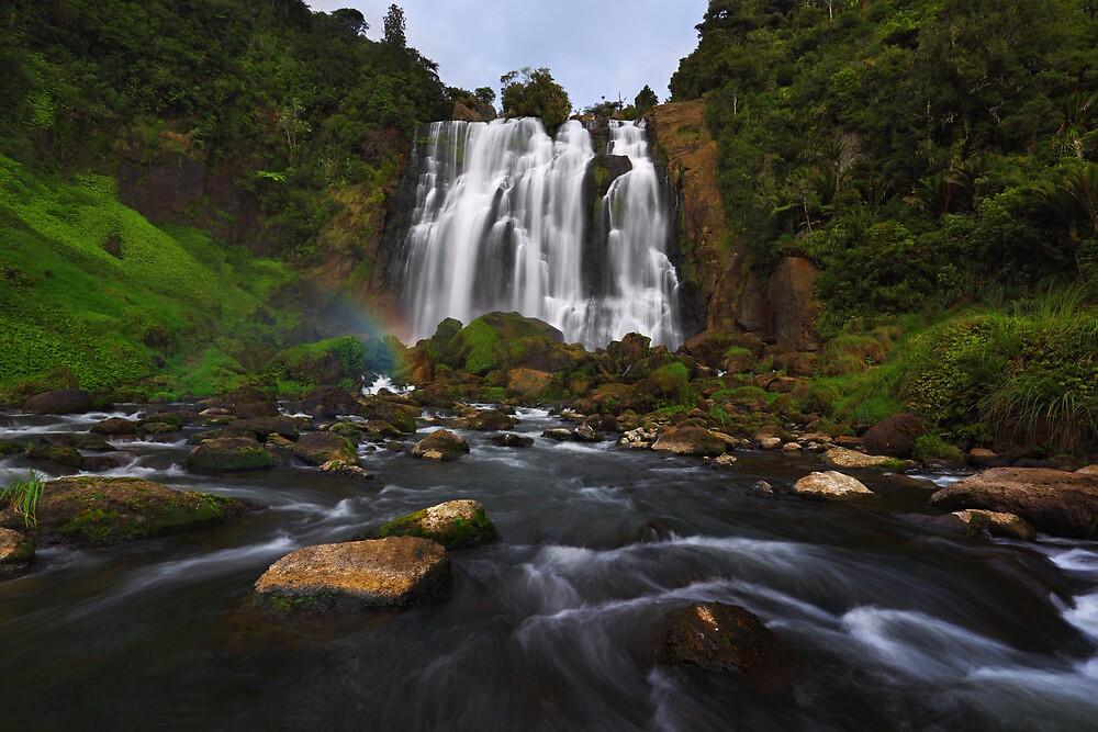 Marakopa Falls - North Island  New Zealand by Mark Shean