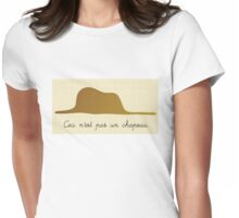 Ceci n'est pas un chapeau Womens Fitted T-Shirt