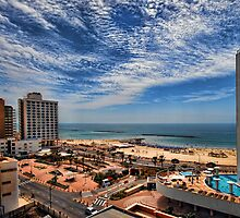 Tel Aviv summer time by Ronsho