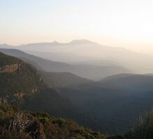 Adamsons Peak from Moores Bridge - photo Peter by PeterJF