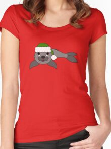 Gray Baby Seal with Christmas Green Santa Hat Women's Fitted Scoop T-Shirt