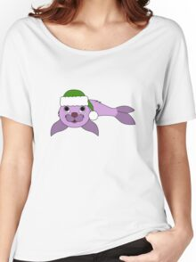Light Purple Baby Seal with Christmas Green Santa Hat Women's Relaxed Fit T-Shirt