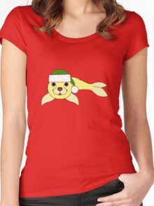 Light Yellow Baby Seal with Christmas Green Santa Hat Women's Fitted Scoop T-Shirt
