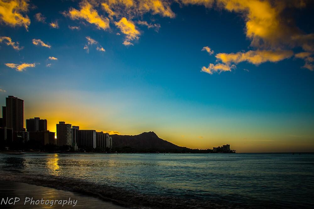 Waikiki sunrise by chrisfb1