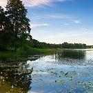 Grutas lake by Tom Migot