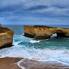 London Bridge, Great Ocean Road by kcy011