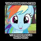 Smiling RainbowDash by eeveemastermind