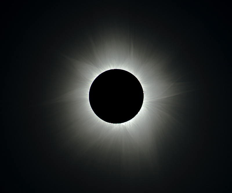 Eclipse - Cairns 2012, Corona by Wayne England