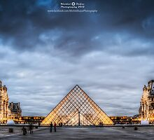 Musee du Louvre by Michiel Buijse