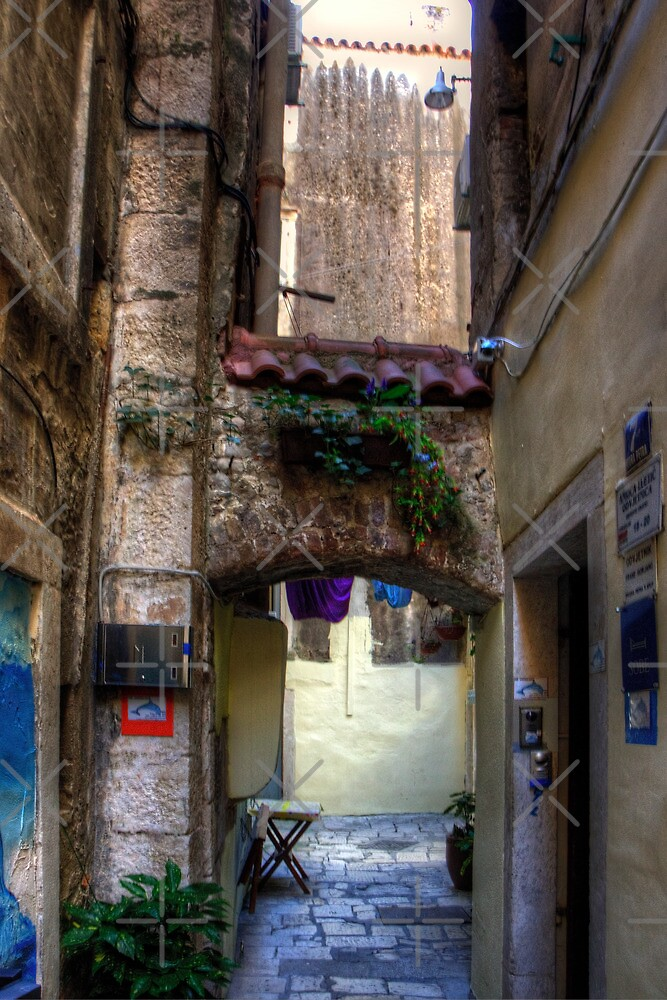 An Alleyway in Old Split by Tom Gomez