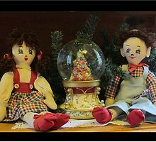 Sweet Dolls at Christmas by TippyToes