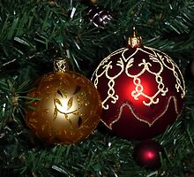 Red and Gold Christmas baubles by Kiriel
