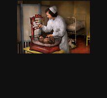 Nurse - The pediatrics ward 1943 Unisex T-Shirt