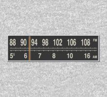 AM/FM Dual-Band by ubiquitoid