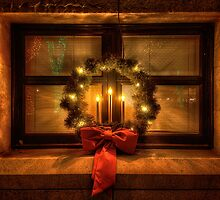 Wreath Warmth by Bob Larson
