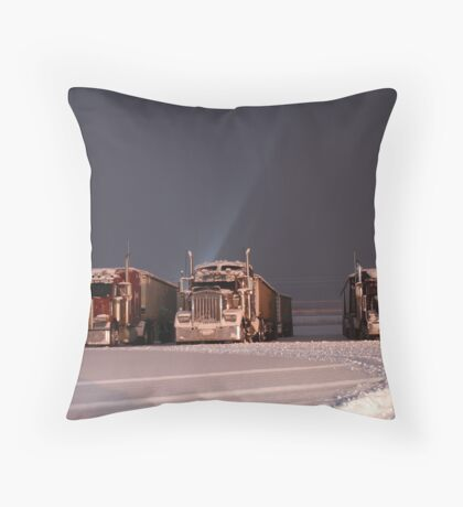 Giants, sleeping Throw Pillow