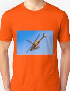 Apache AH-64A (Peten) Helicopter in flight Unisex T-Shirt