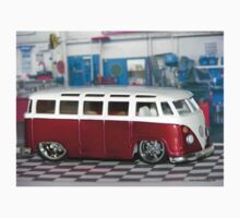 VW BUS red low and cool by Tony  Bazidlo