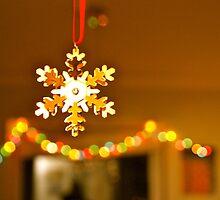Golden snowflake by freshairbaloon