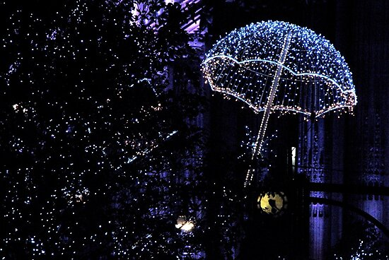 Christmas Lights in Oxford St. by Alessandro Pinto