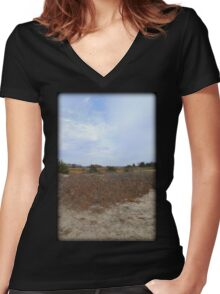 Color Dune Women's Fitted V-Neck T-Shirt