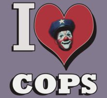 I LOVE COPS T-SHIRT  by CHEZISFUBAR
