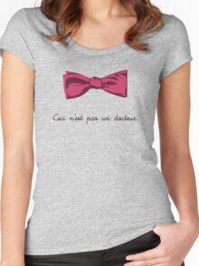 Ceci n'est pas un docteur Women's Fitted Scoop T-Shirt