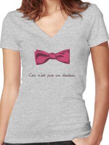 Ceci n'est pas un docteur Women's Fitted V-Neck T-Shirt