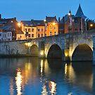 Pont de Jambes by Kasia Nowak