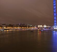 London eye  at  Night by Keith Larby