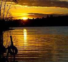 River Murray Sun Set by Dave  Hartley