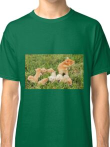Golden hamster with her young litter on the lawn Classic T-Shirt