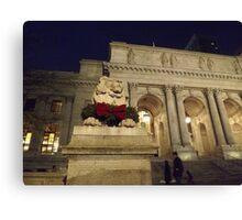 Classic Lion Sculpture, New York Public Library, New York City Canvas Print