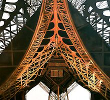 La  Dame de Fer by Tom Roderick