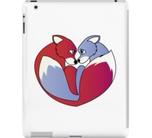 Fox love 1 iPad Case/Skin