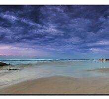 Currumbin beach sunrise by Jayde Aleman