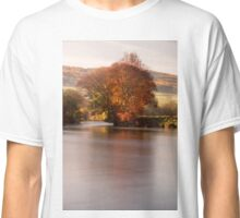 Fiery tree on the River Tay, Perthshire, Scotland Classic T-Shirt