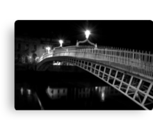 Ha'Penny Bridge At Night (mono) Canvas Print