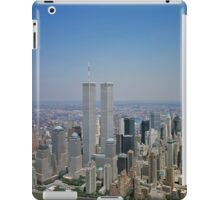 Aerial view of New York City, with Twin Towers of the World Trade Center visible iPad Case iPad Case/Skin