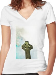 Cloudy Cross Women's Fitted V-Neck T-Shirt