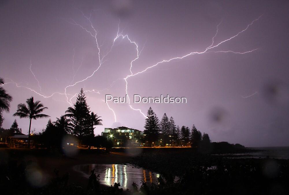 Crawler lightning over Bargara by Paul  Donaldson