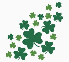 Green shamrocks by Designzz