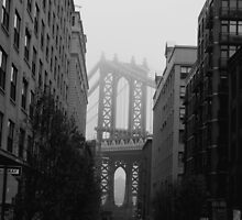 Misty Manhattan Bridge by copacic